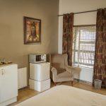 DSC0830_600x400-standard-queen-standard-room-tab